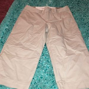 New with tags but not price tag Dockers Capris